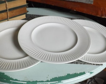 Vintage (1960s - 1980s) Johnson Brothers Athena White classic ironstone ribbed dinner plate.