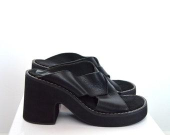 Ladies 90s Vintage Kenneth Cole New York Reaction, chunky heel slip on leather sandal UK 7