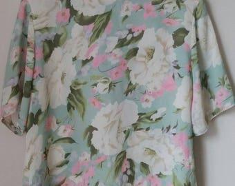 Vintage 1980s Floral Short Sleeve Blouse Pastel Spring Summer So Pretty Size L