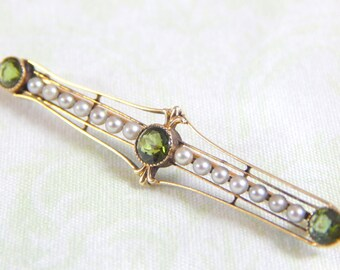 Antique 1910-1920s Pearl and Peridot Pin 14k