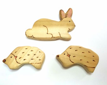 Baby Grasping Toy Hedgehog, Baby Gift, Hedgehog Shower Gift, Nursury Decor, Woodland Nursery,  Waldorf Wooden Hedgehog