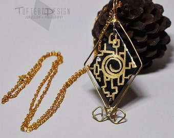 zelda twilight princess twilight portal, the legend of zelda necklace, twilight portal necklace, polymer clay pendant, black gold zelda
