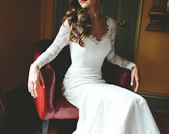 Stunning Chantilly Lace Wedding Dress Trumpet Style with Long Lace Sleeves