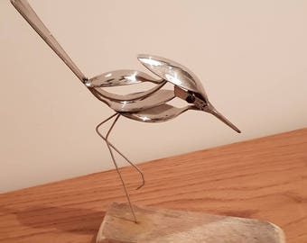 A wild bird figurine