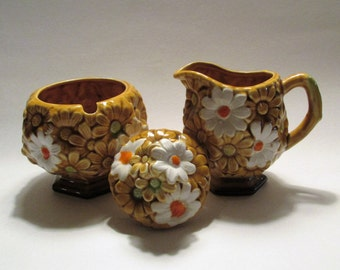 Fred Roberts Company Daisy Cream and Sugar Set Made in Japan
