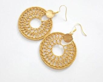 Boucles d'oreilles créoles au crochet modernes doré, cadeau anniversaire femme ou cadeau fête des mères, créoles dorés bohèmes