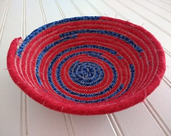 "6"" Coiled Fabric Bowl - Red and Blue"