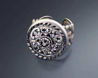 Window Medallion Ring, Antique Bronze Ring, Vintage Silver Ring, Medallion Ring, Renaissance Ring, French Ring, Filigree Ring R551