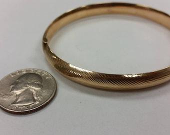 Vintage 14k yellow gold bangle bracelet baer
