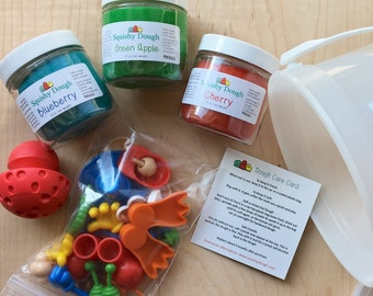 Play Dough Creatures Busy Bucket - Play dough Activity Kit - Scented Play doh - Squishy Dough - Busy Bucket - Mr Potato Head for Play Dough