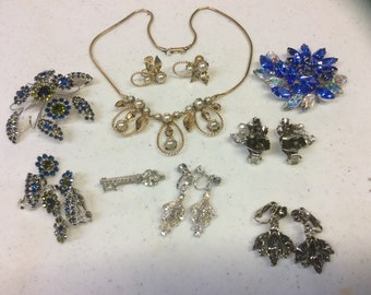 Assorted rhinestone and pearl vintage jewelry