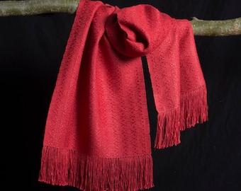 Lange shawl, stola, pure zijde, rood.
