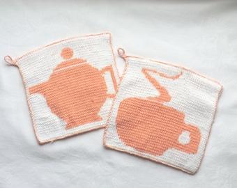 Topflappen - TeaTime - 2farbig in Double-Face-Technik von Hand aus 100% Baumwolle gestrickt; auf Wunsch auch gern in anderen Farben
