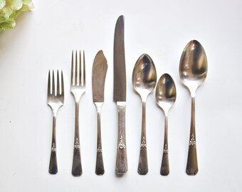 """Vintage Silverplate Cutlery 43 PC Set by W M Rogers in """"Rio 1930"""": Silverplate Flatware, Everyday Cutlery, Antique Flatware, Antique Cutlery"""
