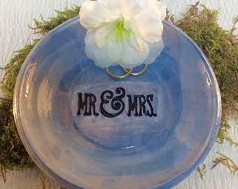 Ceramic wedding ring dish
