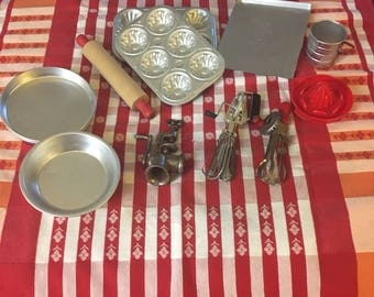 Vintage Toy Cooking and Baking Lot