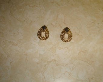 vintage clip on earrings goldtone filigree
