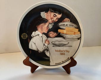 """Knowles """" Sunday Dinner By Norman Rockwell Plate Number 18859 D 1989"""