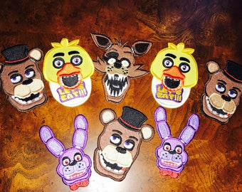 Patches / Five Nights at Freddy's Patches in two sizes / Freddy, Foxy, Mangle, Bonnie, and Chica FNAF