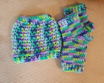 Messy Bun Beanie with matching Fingerless Gloves - Matching set - Texting Mitts and Elastic Ponytail Hat