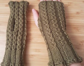 Green Cabled Fingerless Mitts