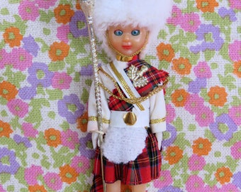 Vintage 70s Scottish boy doll - Selfridges souvenir - kilt sporran etc