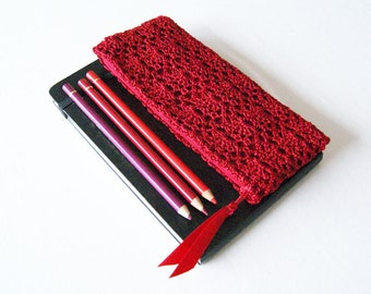 Red Pencil Pouch, Back to School Gift for Her, Scarlet Pencil Bag for School, Pen Case, Crochet Pencil Case, Small Zipper Pouch with Lining