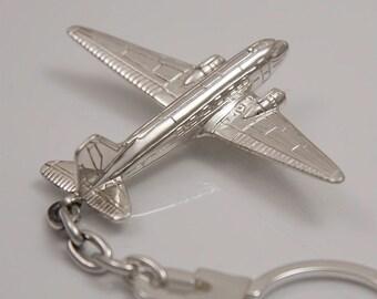 Keyring silver airplane Douglas DC-3