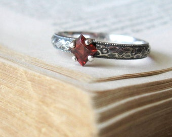 Garnet Birthstone Ring / Promise Ring / Vintage Style Engagement Ring Square Cut Princess in Sterling Silver / Silver Garnet Ring Gift