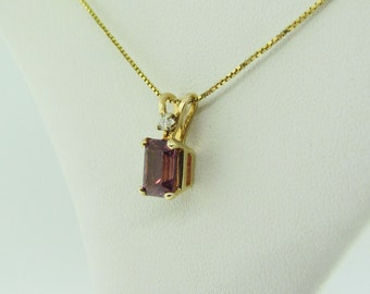 Pink Tourmaline Solitaire Pendant, Yellow Gold