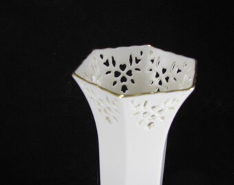 Lenox Shelburne Vase, Reticulated Pierced Rim Hearts, Flowers And Leaves, Gift For Her, Vintage 1988