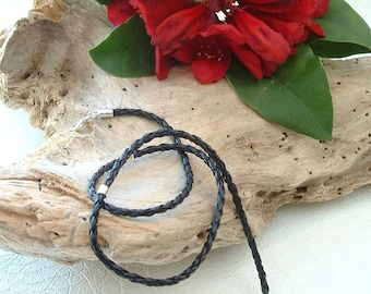 BRAIDED faux leather with clasp 45cm necklace