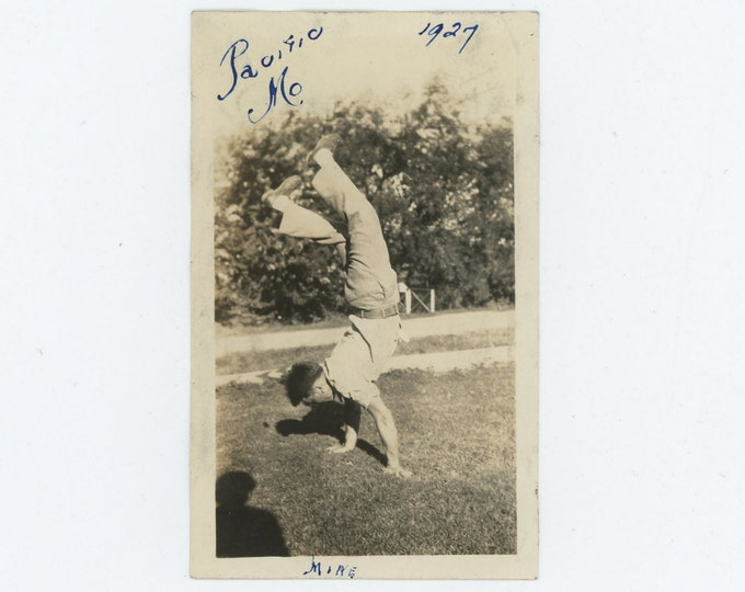Vintage Snapshot Photo: Mike Performs Handstand, Pacific, MO 1927 (73554)