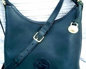 Dooney & Bourke AWL Zip Hobo bucket small shoulder bag P151 medium excellent condition Black