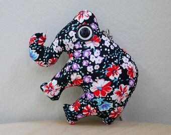 Handmade Fabric Plush Elephant Keychain (Black)