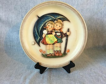 """Vintage 1975 Hummel Anniverasry Plate """"Stormy Weather"""", 1st Edition Collectors Plate"""