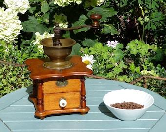 Large Antique Coffee Grinder - German Zassenhaus Coffee Grinder - Coffee Shop Decoration - French Vintage Kitchenalia - Antique Coffee Mill