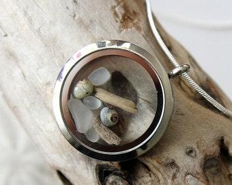Sale 20% Rabais Driftwood locket, driftwood necklace, ocean locket, sea shell necklace, locket, sea glass necklace, sea glass, sea glass pen