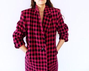 Vintage Houndstooth Overcoat in Pink and Black / Boxy Vintage Wool Coat / Fuchsia Houndstooth Jacket / Vintage Winter Coat