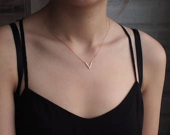Delicate V Necklace, Dainty Minimal V Necklace, Simple Geometric Layering Necklace in Sterling Silver #D72