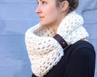 Off White - CHUNKY WOOL Large Cowl Scarf