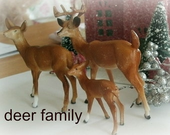 vintage DEER FAMILY mini BROWN 3 pcs buck doe fawn plastic reindeer 2-3 in