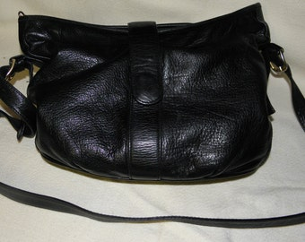 Vintage EarthBags in Black Italian Leather Purse with Gorgeous Interior Very Soft and Supple