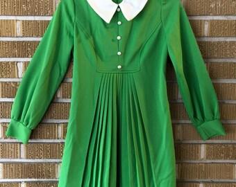 xsmall-60s/70s lime green mod mini dress