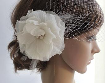 Wedding Birdcage Veil Flower Headpiece, Bridal Ivory Flower Fascinator, Blusher veil from flower hair, Bridal Birdcage Flower Hair piece