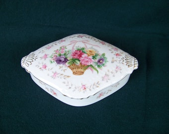 Bone China Trinket Dish, Floral Basket Design, Lipper Mann Creations, Japan