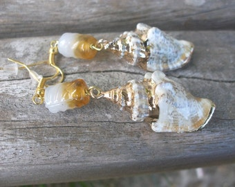 Scalloped earrings, snail's gold banded, cream brown yellow, white topasfarbene glass bead, also known as earrings, Ooak