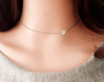 Leaf Choker Sideways Leaf Charm Choker Nature Necklace Friend Gifts Women Necklace