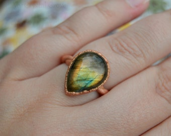 Handmade Labradorite and Copper Fashion Ring, Mystical Fantasy Ring, Size 8 3/4 Twisted Ring, Teardrop Statement Ring