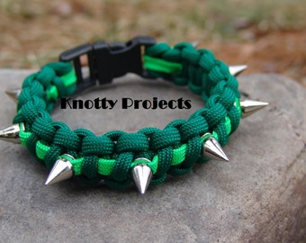 Paracord spiked bracelet